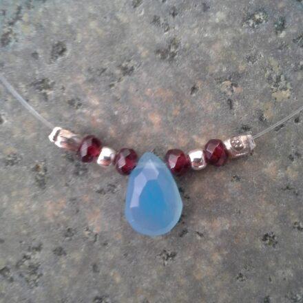 tour de cou argent, grenat et quartz bleu