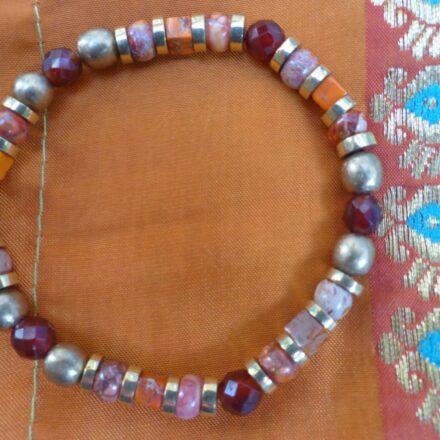 Bracelet élastique jaspe teinté et cornaline